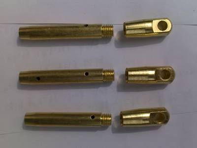 Three drawing heads, made of copper, swivel eye and the connector is screwed by the thread.